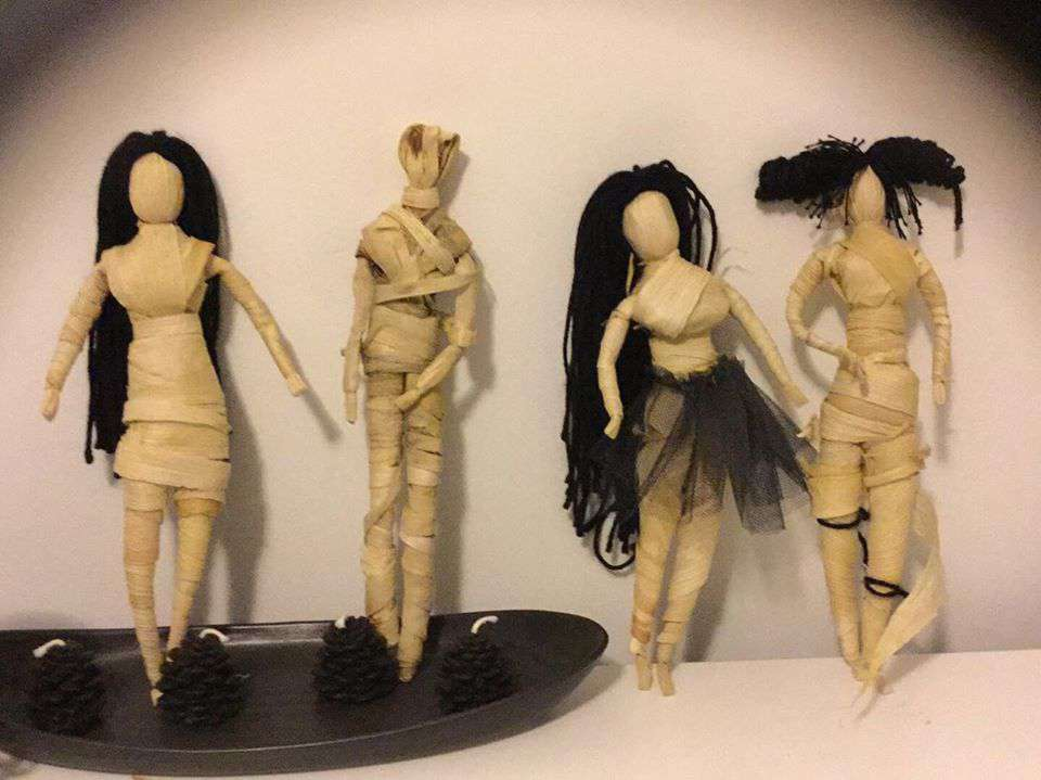 Kathleen Dearhouse made the cornhusk dolls to Barbie proportions for Generations of Play.