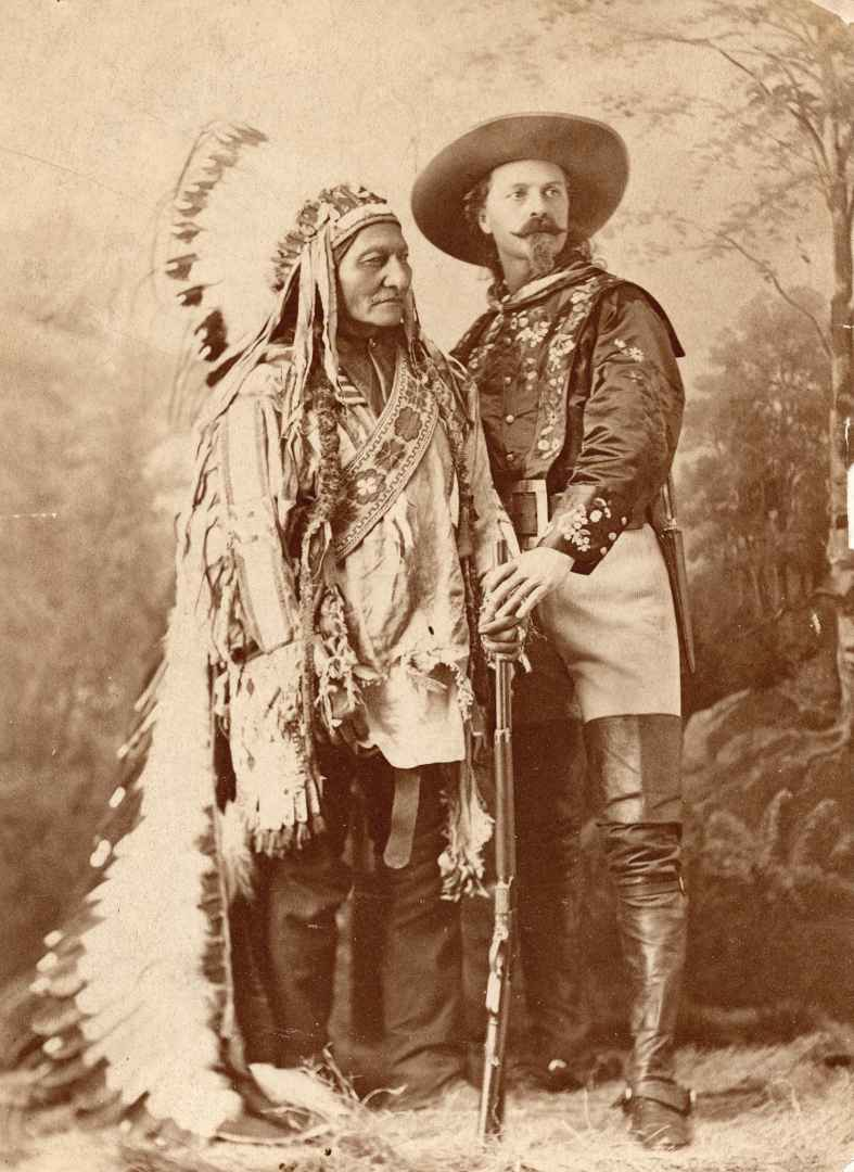 William Notman & Son, Montreal, Sitting Bull and Buffalo Bill, Montreal, Quebec, about 1885, cropped cabinet card photograph. Golden, Colorado, Buffalo Bill Museum and Grave. (Courtesy MMFA)